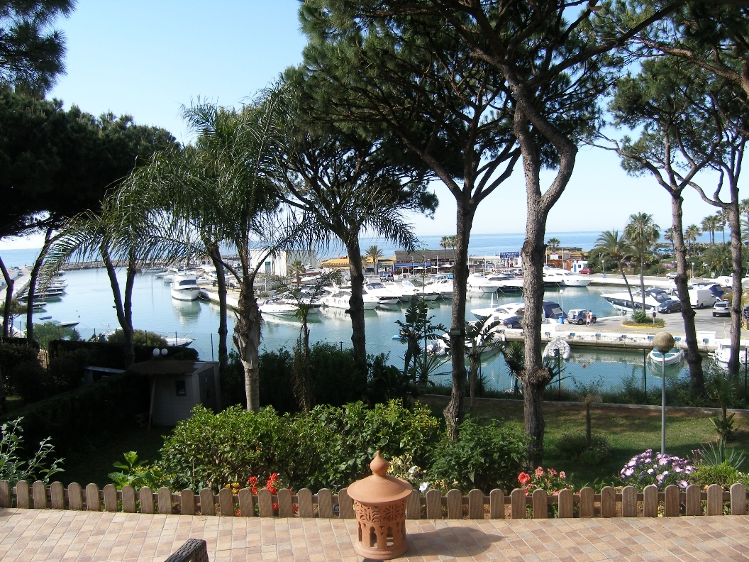 Luxury Living in Cabopino